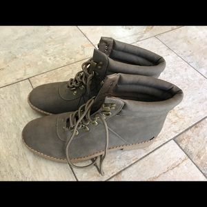 Nautica Shoes | Brand New Olive Color